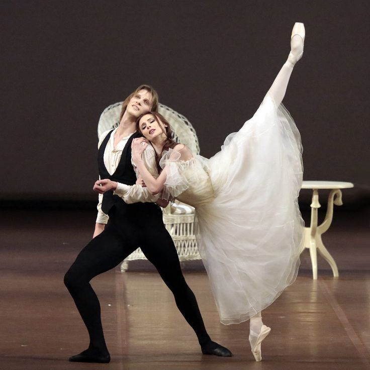 Svetlana Zakharova and Edvin Revazov in Lady of the Camellias © Damir Yusupov.