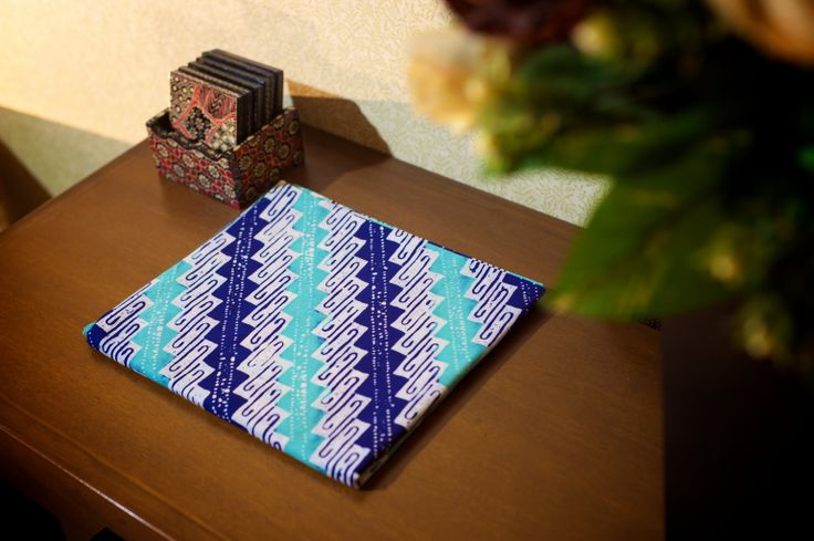Batik Garutan warna biru toska putih