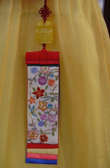 Korean silk embroidery [정숙현 한복이야기]