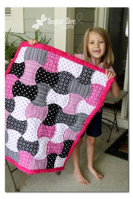 Apple Core Baby Girl Quilt - - Sugar Bee Crafts: GO! baby Review - -apple core quilt