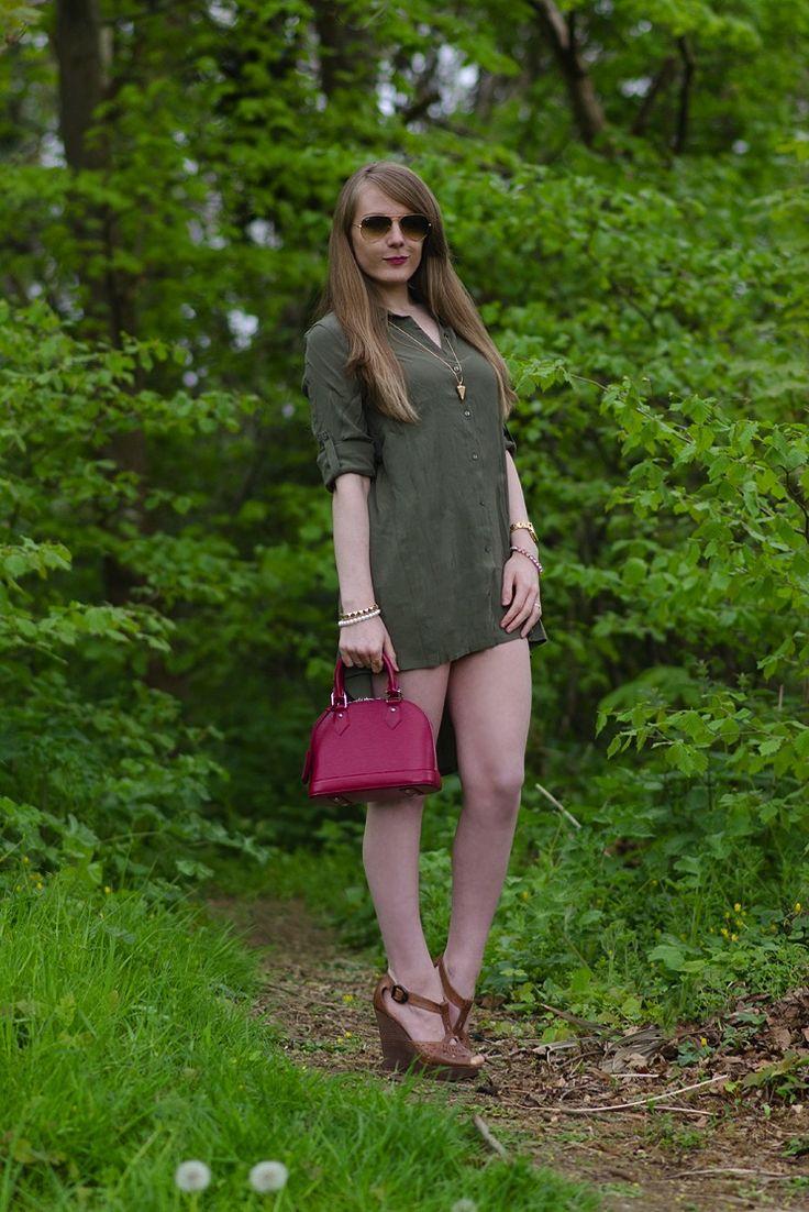 fashion-blogger-khaki-shirt-dress