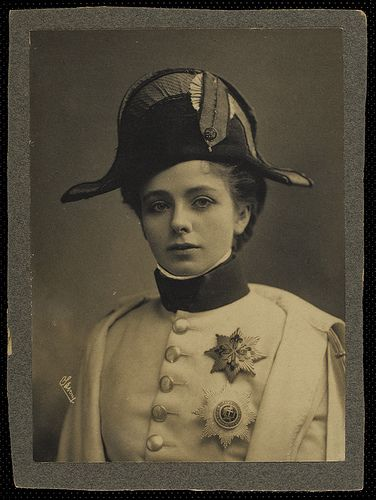 Napoleonic, my favorite other Era...  Maude Adams    (Fuente: reallifeiselsewhere.blogspot.com)