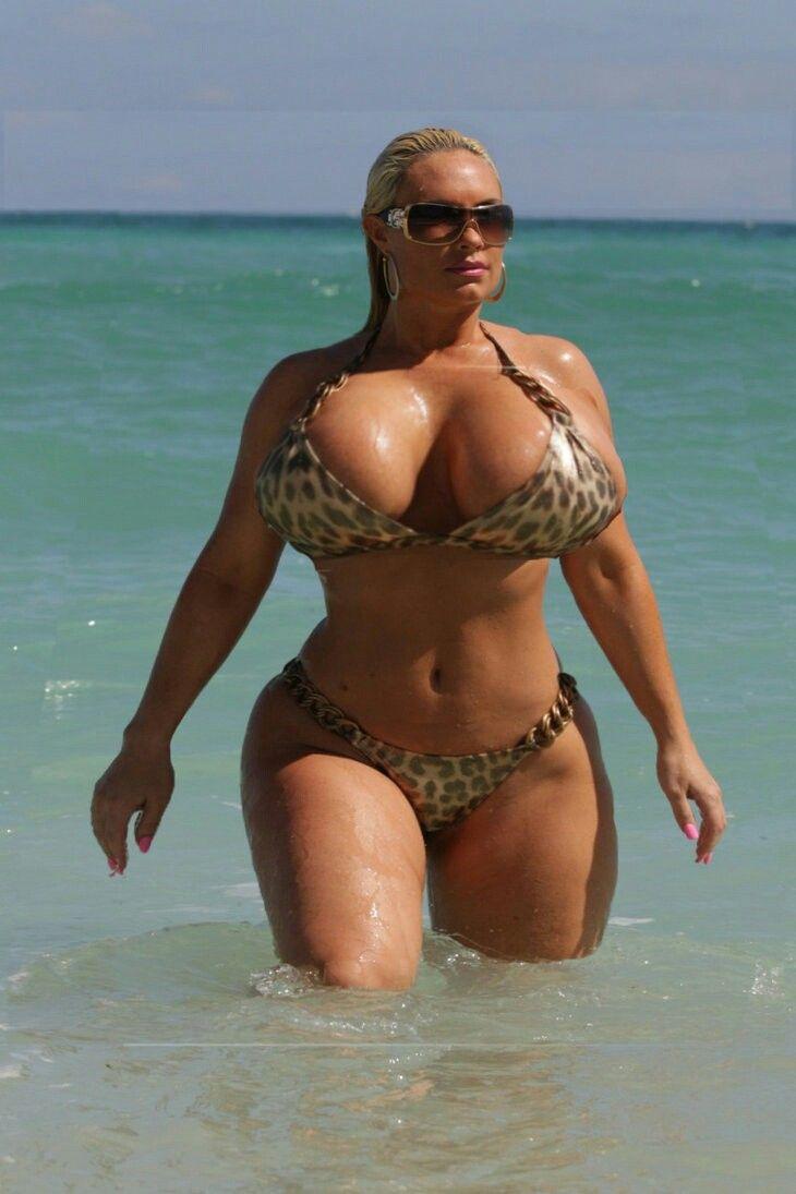 thick girls in bikinis nude