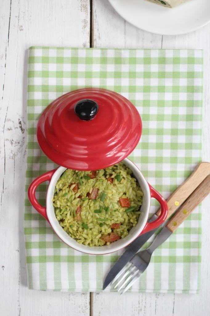 Eet je bijvoorbeeld wraps, enchiladas of taco's dan is deze guacemole rijst, met onder andere knoflook en tomaat, ideaal voor erbij!