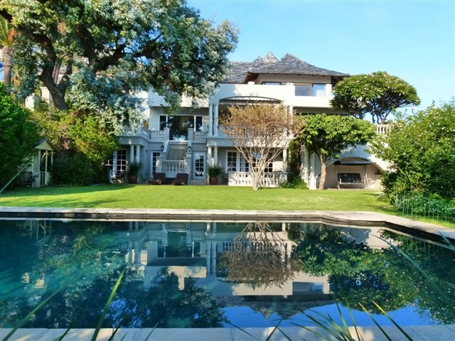 Hamilton house fresnaye western cape south africa the for Big garden pools