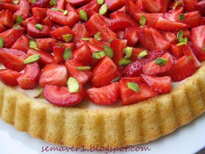 Baharı hatırlatan çilekle hazırladığım bu pastayı Sevgili Özlem'in (Mutfak Günlüğüm ) Ye#55 Bahar Şenliği etkinliğine gönderiyorum. ...