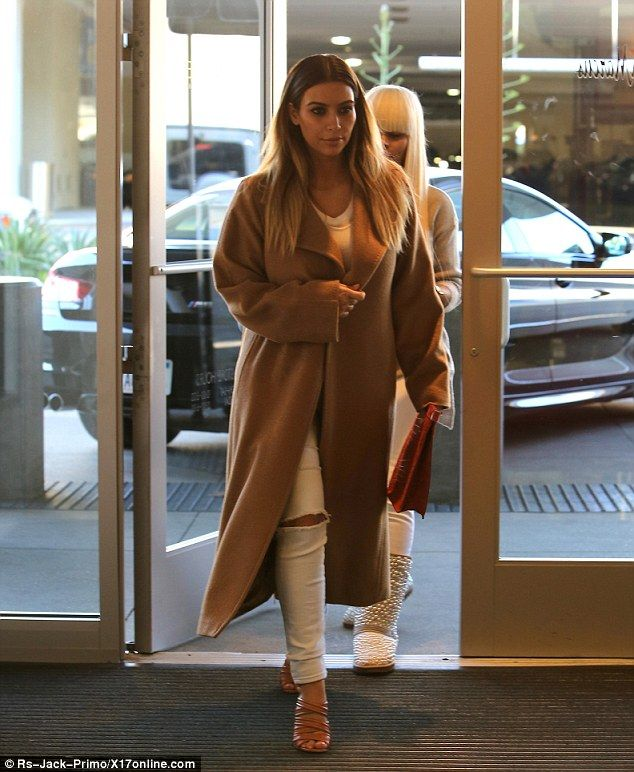 On a mission: The newly engaged star looked ready to give her credit cards a workout as she arrived at Neiman Marcus