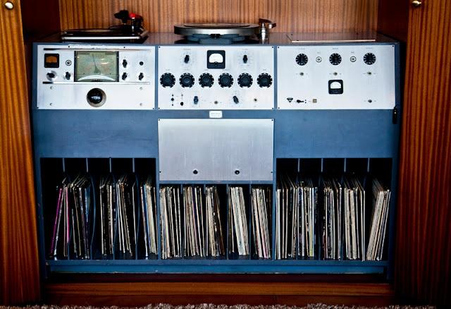 Frank Sinatra's Stereo