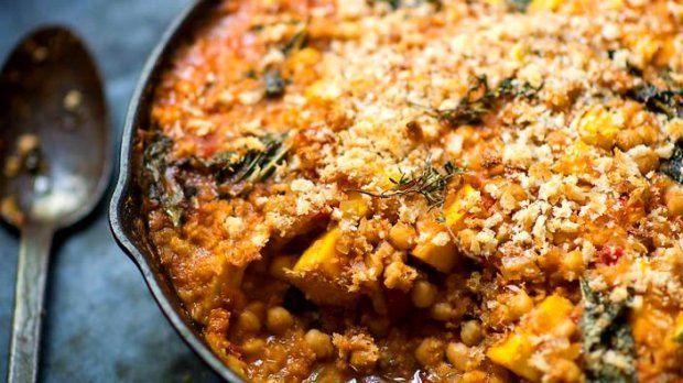 Pokud máte rádi zeleninu a luštěniny, tento recept je pro vás přesně to pravé. A ten správný říz mu dodává španělská uzená paprika, která je prostě neodolatelná.