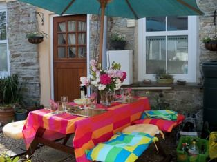 Garden Cottage Bodmin is about 10 minutes drive from the school in the heart of Bodmin town.