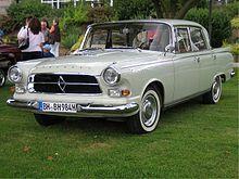 Borgward P 100 war die werksinterne Bezeichnung für einen Pkw der oberen Mittelklasse der Carl F. W. Borgward G.m.b.H. in Bremen-Sebaldsbrück. Von 1959 bis 1962 wurden von dem offiziell als Großer Borgward bezeichneten Wagen 2591 Stück produziert (Zahl des Verbandes der Automobilindustrie: 2587). Ab Anfang 1960 wurde der P 100 als erstes deutsches Automobil mit einer Luftfederung angeboten ===> https://de.wikipedia.org/wiki/Borgward_P_100