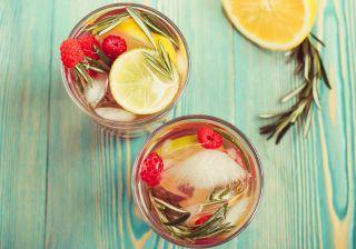 Água de limão e alecrim (digestiva e estimulante)