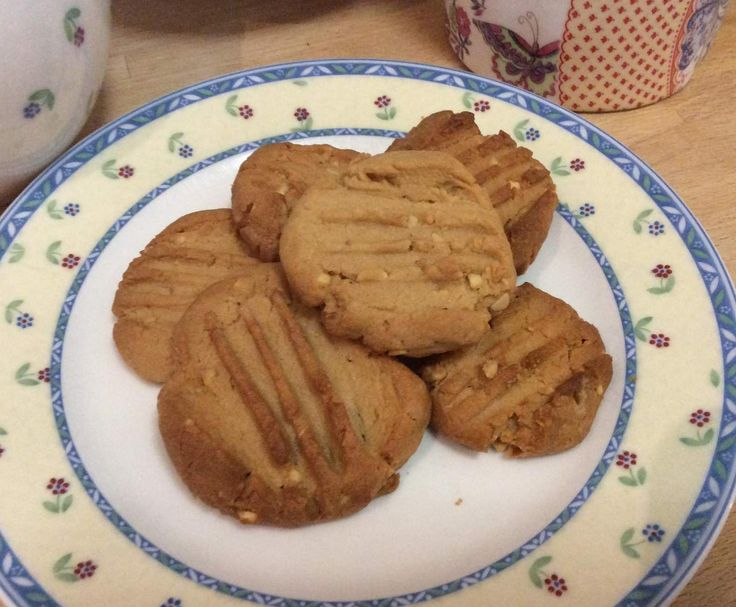 Recipe Fabulous Peanut Butter Biscuits by cook-a-lot - Recipe of category Baking - sweet