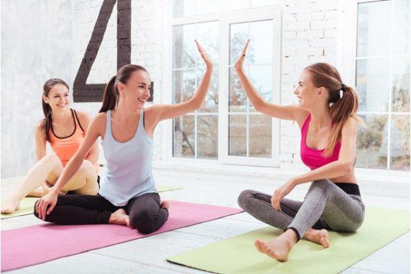 Ce exercitii fizice se recomanda la menstruatie? https://doc.ro/ce-exercitii-fizice-se-recomanda-la-menstruatie  Exista credinta ca la menstruatie nu este bine sa faci sport. In realitate daca esti sanatoasa miscarea este chiar recomndata in zilele delicate generand ca