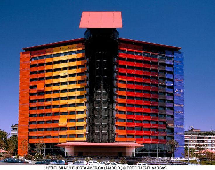 Dodicesimo piano, facciata e attico Hotel Puerta América, Madrid, 2008 - Ateliers Jean Nouvel