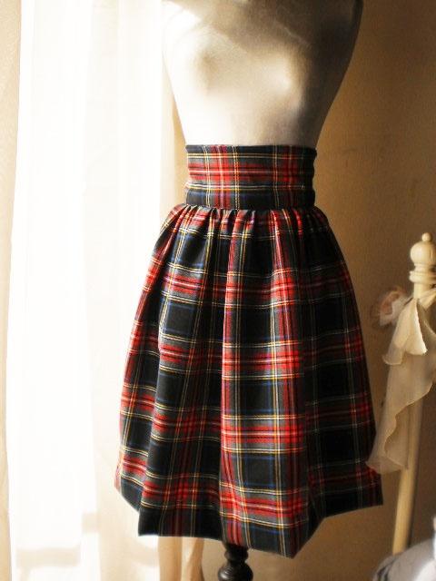 High waist midi skirt 50's inspiration!