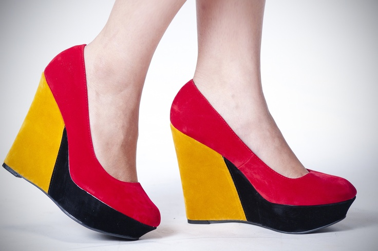Zapatos de plataforma, color block.