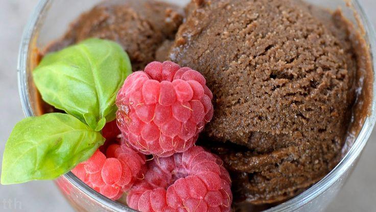true taste hunters - kuchnia wegańska: Czekoladowe lody z awokado (wegańskie, bezglutenowe, bez cukru)