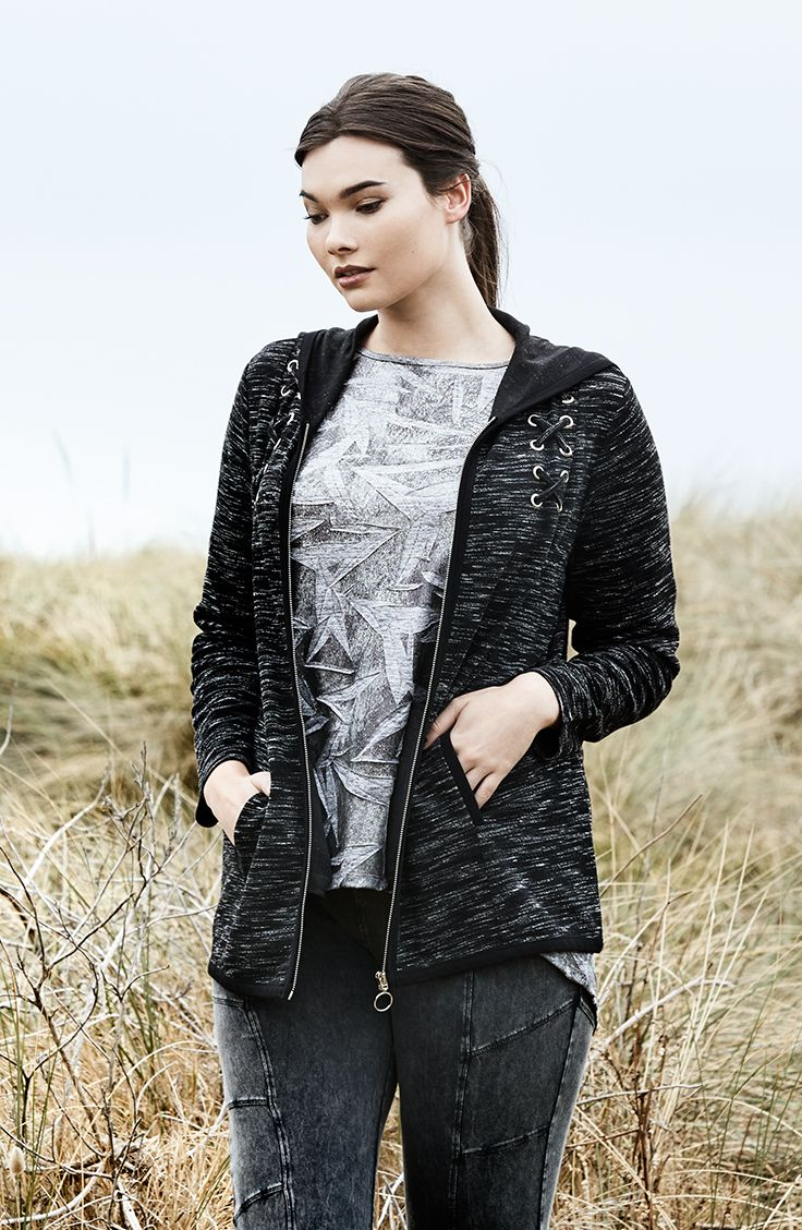K+K - plus sized clothing for the curvy woman sizes 10-26. Autumn fashion. Winter fashion. Casual weekend look. Weekend style. Casual style. Black hoodie.