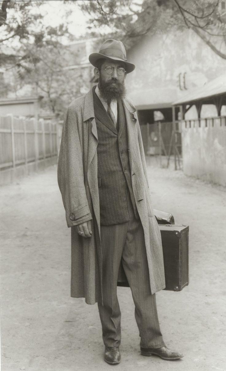 August Sander. Magician. 1930