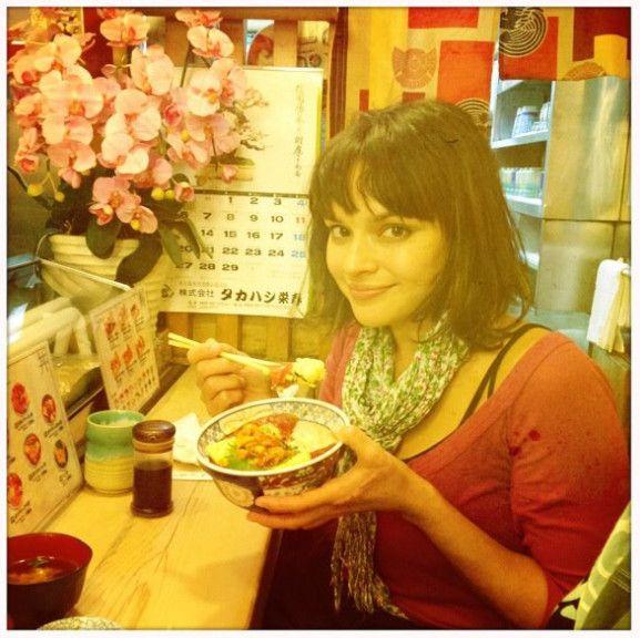 Norah Jones in Tsukiji Fish Market,Tokyo,Japan