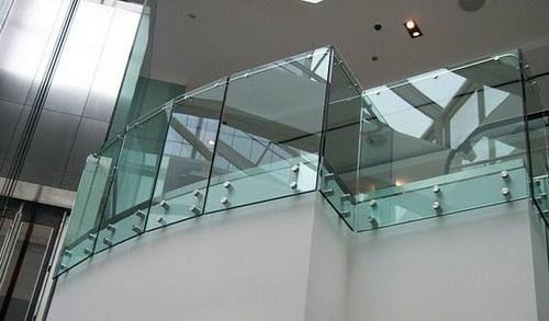 BARANDALES DE CRISTAL PARA BALCONES Los barandales de cristal son una alternativa segura, duradera y transparente, aplicable a balcones, terrazas e interiores otorgando amplitud y luminosidad.  Tel.- 19 52 14 15 D'CASLO mail: dcaslo@prodigy.net.mx  www.facebook.com/dcaslo