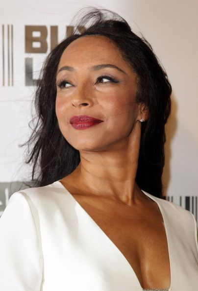 Sade Photos Photos - Singer Sade - who just announced her new world tour today - arrives at the Black Ball charity event to raise funds for the Keep A Child Alive (KCA) Foundation, at the Hammerstein Ballroom in Manhattan. - Sade at the Black Ball Charity Event