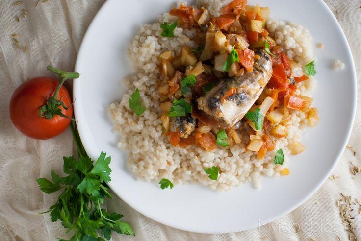 Pasta con le sarde (pasta met sardientjes) is een typisch Italiaans gerecht met venkel en sardines. Je maakt het makkelijk zelf!