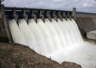 Table Rock Lake Dam - Branson, Missouri - what a beautiful sight to see! <3