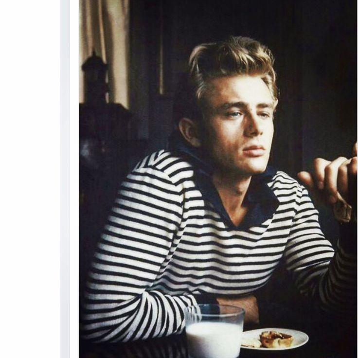 James Dean breakfasting (the beautiful '50s).