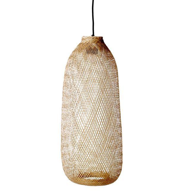 Skøn lampe i bambus fra Bloomingville. Stort udvalg i lamper. Køb din