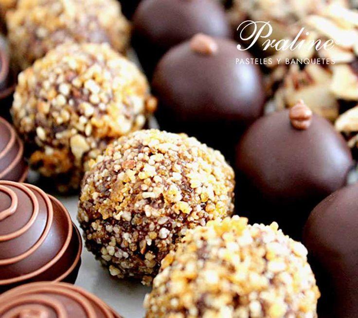 Deliciosas cajas de chocolates finos.