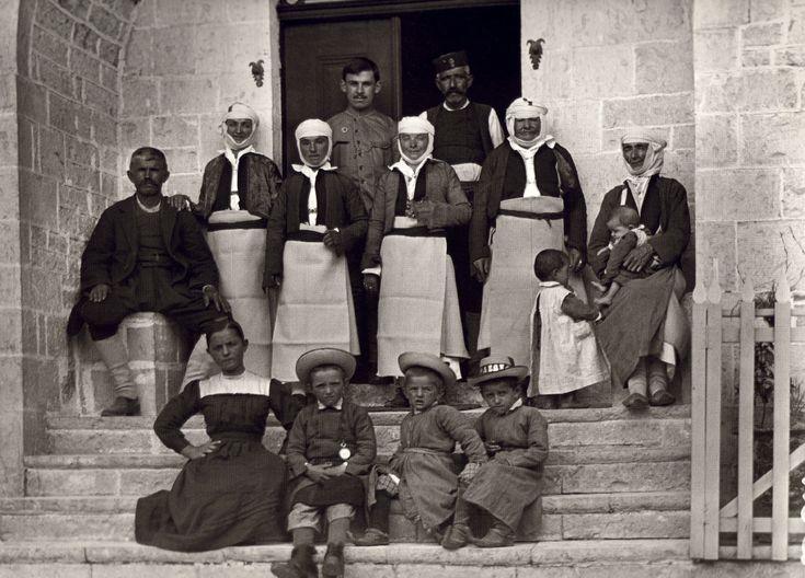 Δελβινάκι, οικογενειακή φωτογραφία, 1913