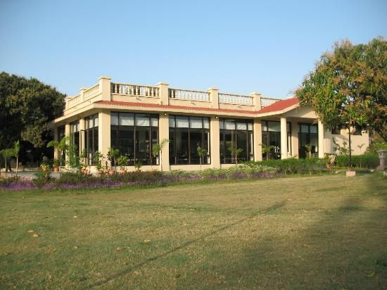 Nadiya Parao is a Riverside Resort Jim Corbett that provides the finest accommodation facilities to the tourist for a mesmerizing stay at Corbett. There are numerous 4 Star #Resorts in Jim #Corbett, but, tourists can go for this resort due to its brilliant amenities and well-furnished infrastructure. http://bit.ly/1Uh7CtM