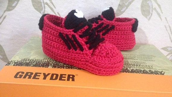 85fb58c09 Crochet baby shoes Baby sneakers