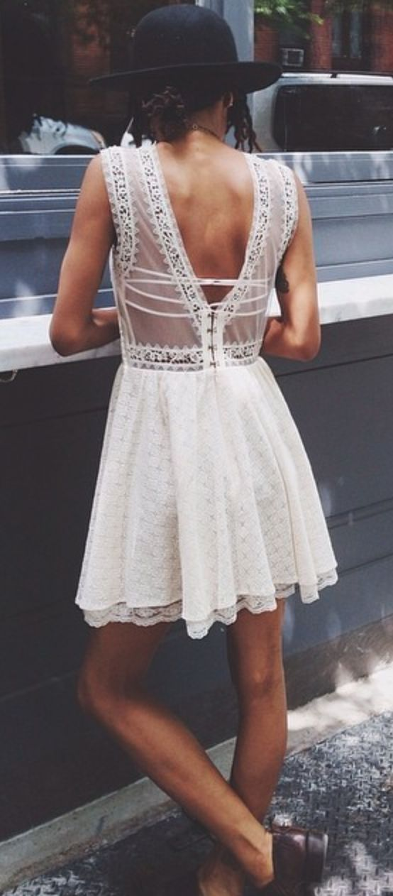 little lace dress//