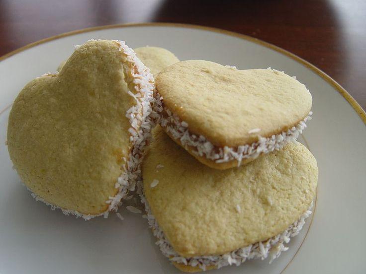 Heart-shaped Alfajores for Valentine's Day--Alfajores en forma de Corazon por el Dia de San Valentin