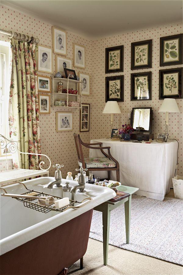 Best 25 english interior ideas on pinterest english for English country bathroom ideas