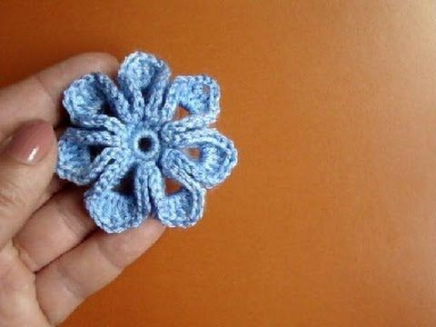 how to crochet a small flower