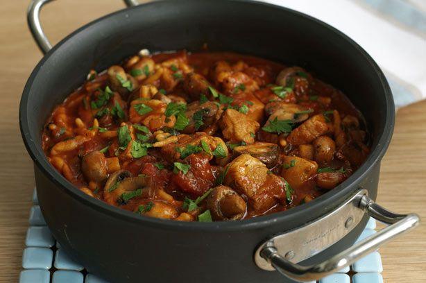 Pork and pepper goulash recipe - goodtoknow