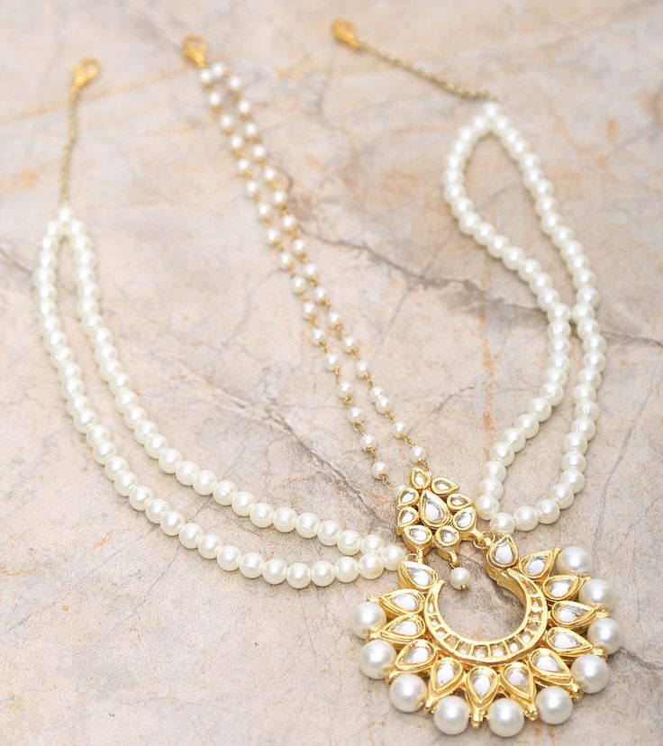 Golden & White Embellished Matha Patti. #MaangTikka Indian bridal fashion.