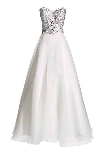 Brides.com: How to Find the Perfect Wedding Dress for Your Body Type. Wedding Dresses for Petite Body Types: Justin Alexander. A slight drop waist can make your legs look short, so opt for a natural waist.  A-line sweetheart dress, style 8670, Justin Alexander  Browse more A-line wedding dresses.