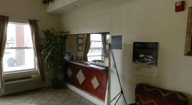 Super 8 St. Louis Airport - 2 Star #Hotel - $42 - #Hotels #UnitedStatesofAmerica #WoodsonTerrace http://www.justigo.net/hotels/united-states-of-america/woodson-terrace/super-8-st-louis-airport_113689.html