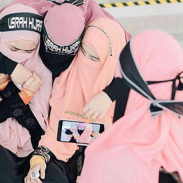 Bilamana kamu membenci seseorang dan kamu menghasut orang lain untuk turut serta membencinya, maka sesungguhnya hati kamu kotor. .  Ukhty : @helza_hamzah - . . .  @shareilmu_ @shareilmu_ @shareilmu_ #shareilmu_ . . .  Ayo tag kawanmu😅 . . .  #kembarahelza #hijrahbyhelza #bidadarieshijrah #usrahhijrah #teamusrahhijrah #familyuh #love #lovequotes #loveu #hijabkekinian #hijabkondangan #us #mexico #mexico🇲🇽 #meksiko #amerikalatin #bidadarisurga #bidadari #muslimah #muslim #tanya #tag…