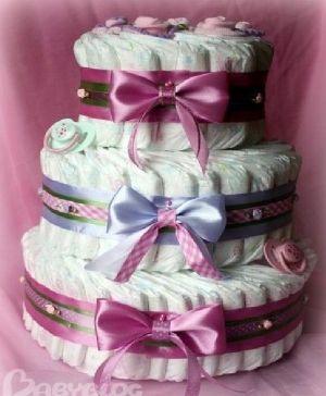 DIY Diaper Cake Gift by lydia