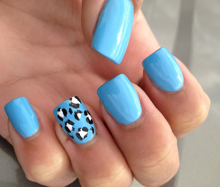 Blue And White Cheetah Print Nails Photo 3