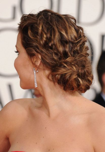 Hair Styles 2017/ 2018   Jennifer Lawrence's golden globes (2013) low loose bun. Created by Dove sty