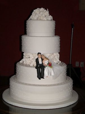 too cute wedding cake!