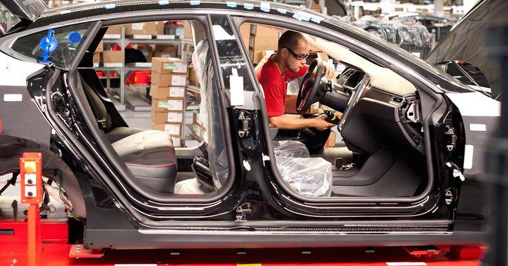 Cramer: Elon Musk's Tesla needs to make a lot more cars to justify its sky-high stock price #AppleNews #TechNews