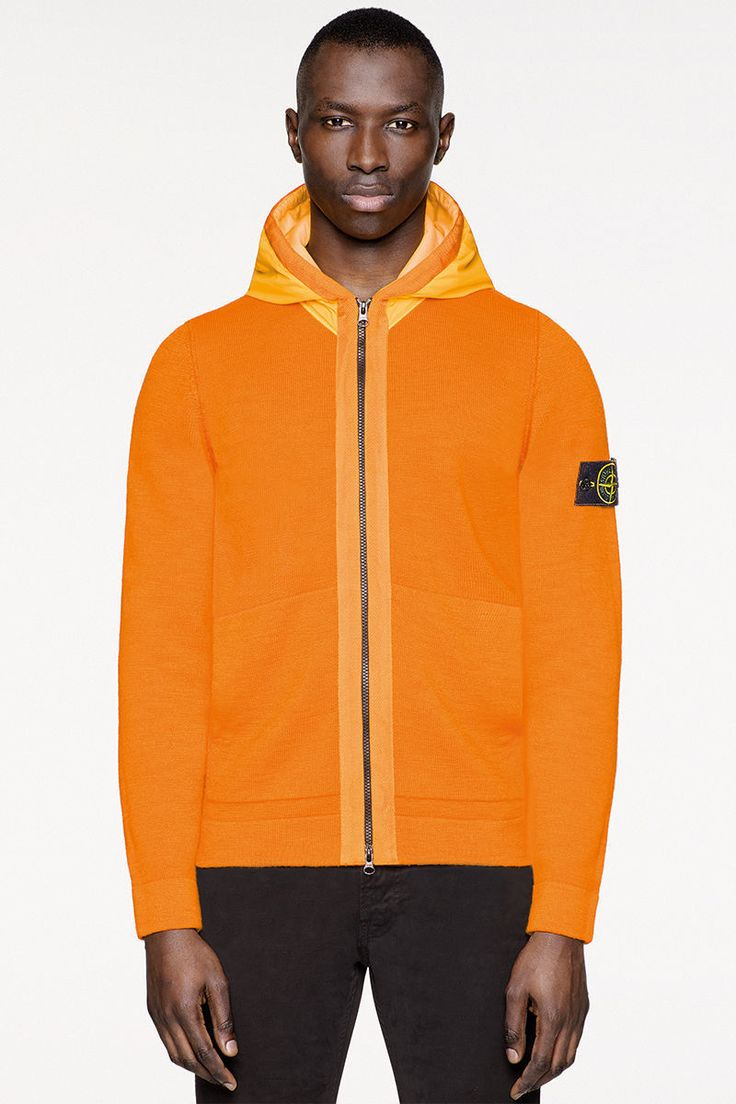 - Stone Island Online Store. FALL WINTER_'016'017. Worldwide delivery.